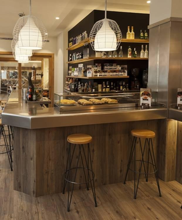 Cafetería Hotel y Apartahotel Dos Ríos Ainsa